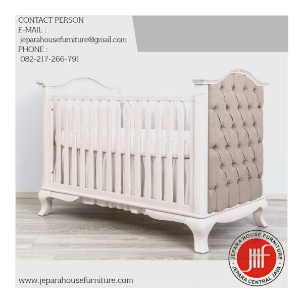 box bayi putih mewah