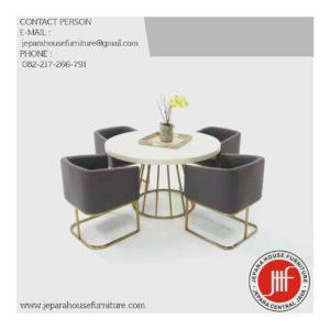 https://jeparahousefurniture.com/product/kursi-makan-indurstial-mewah-industrial-furniture-jepara/